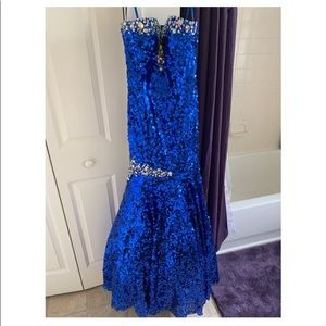 GORGEOUS sequin prom dress